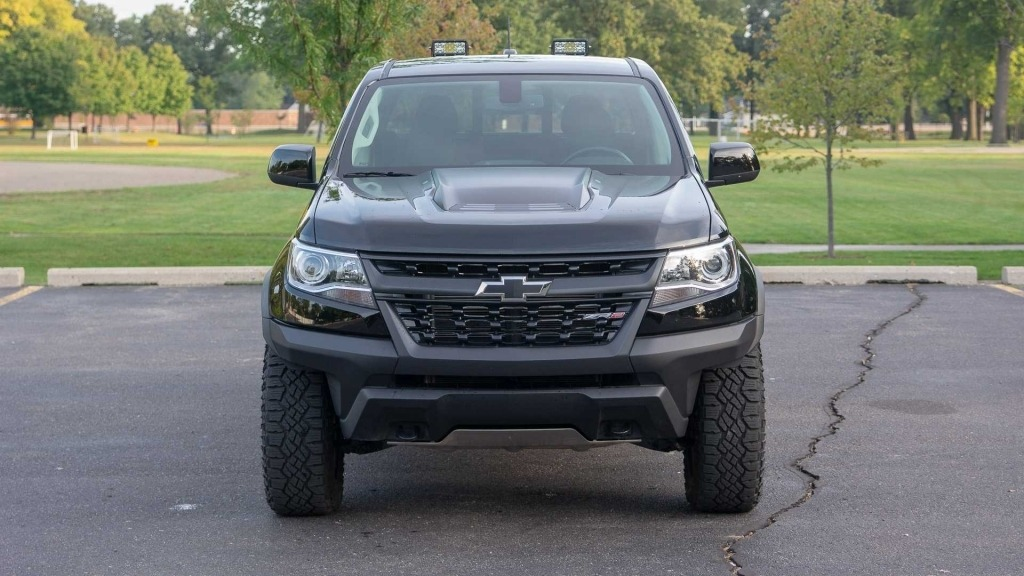 2017 Chevy Colorado ZR2 Spied Right at Home in The Desert